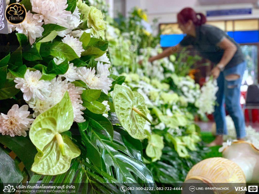 ผลงานดอกไม้สด - วัดศรีสุริยวงศ์  17/05/2562 2
