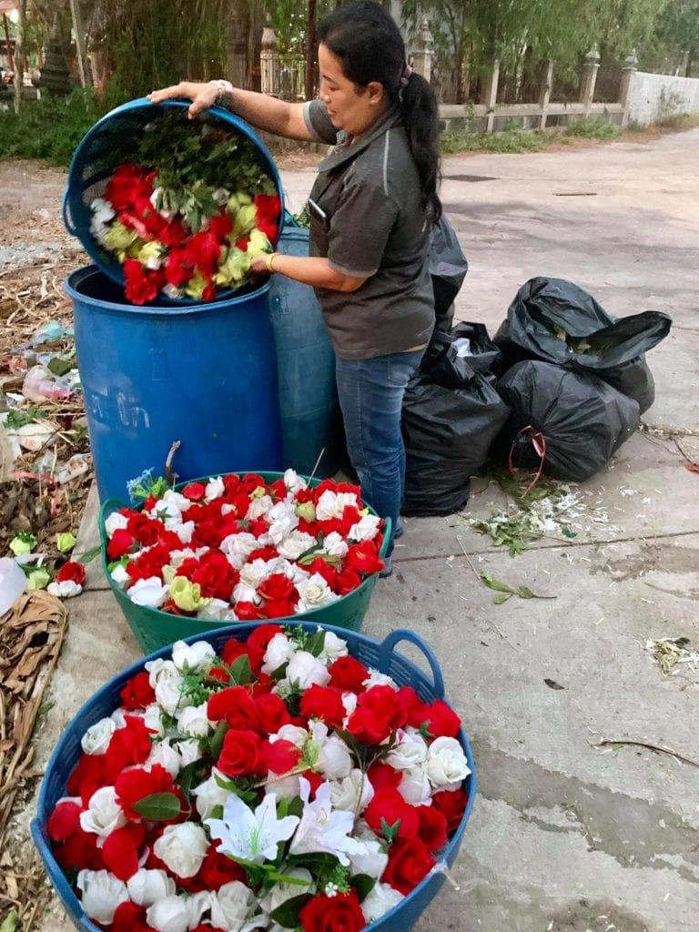 งานดอกไม้แห้ง ดอกไหนเก่าเราทิ้ง จัดแต่ของใหม่ๆให้ลูกค้า 2