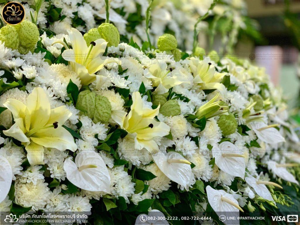ดอกไม้สดชุดโค้งพร้อมนกยูงงามๆ วัดมณีสรรค์ 26/05/2562 5