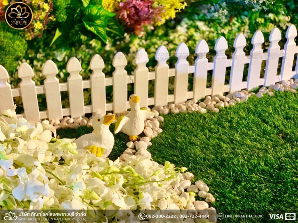 ผลงานประดับดอกไม้แห้ง เมรุวัดมณีสรรค์ - งานคุณพ่ออนงค์ พันธเสน 6