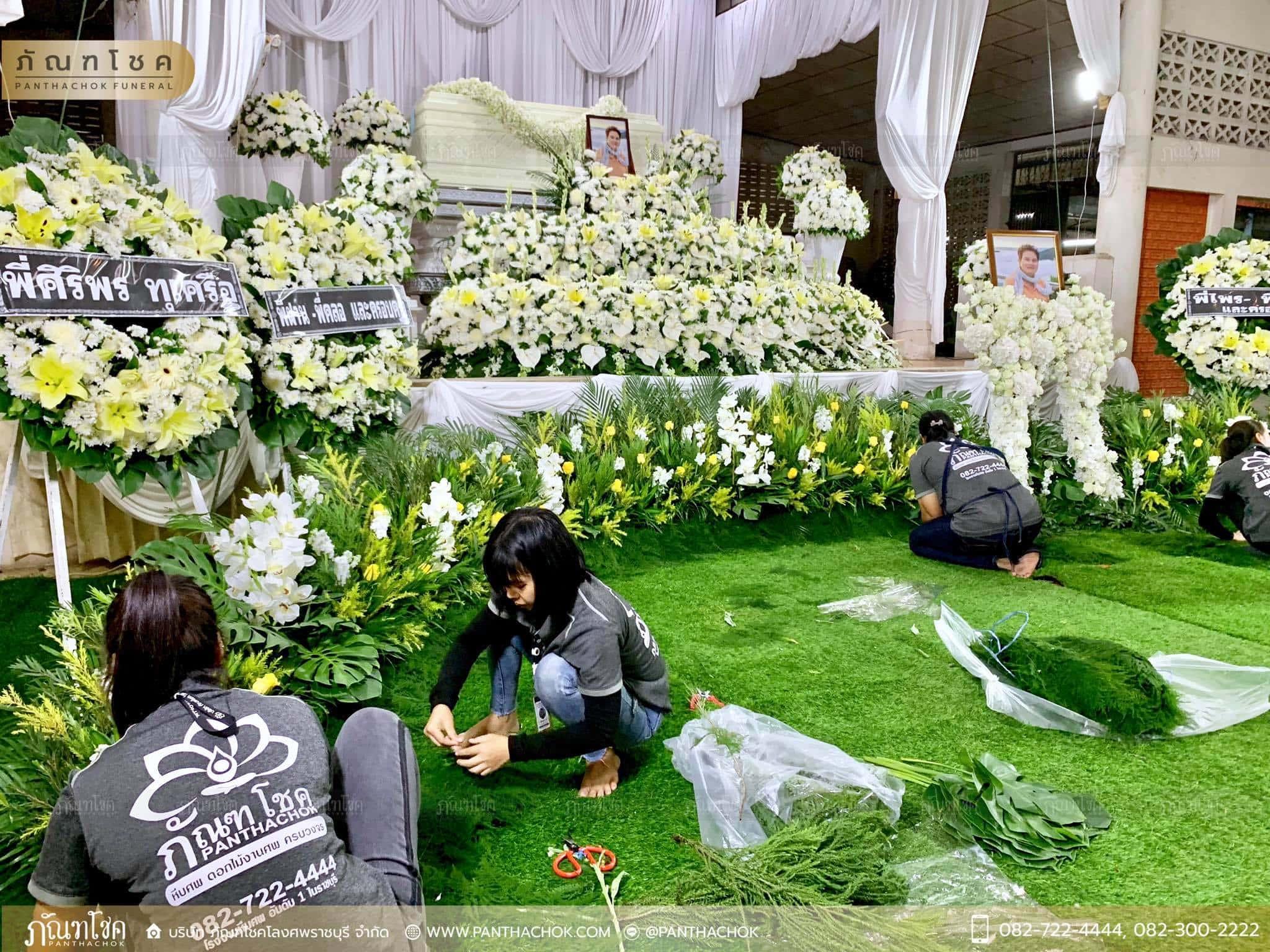 ผลงานจัดดอกไม้หน้าหีบ วัดม่วง ราชบุรี 3