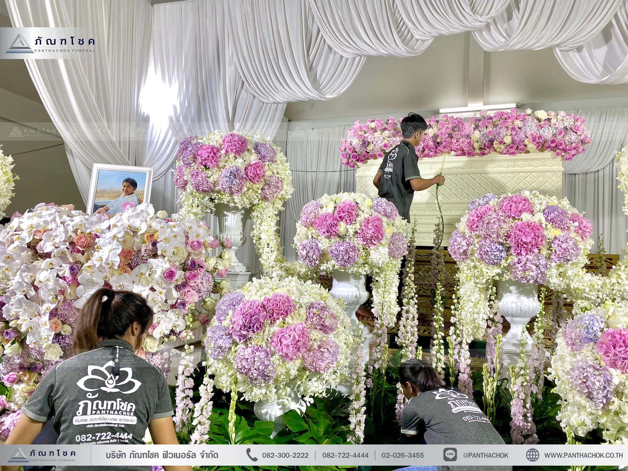 ผลงานจัดดอกไม้หน้าหีบ วัดพานทอง ชลบุรี 1