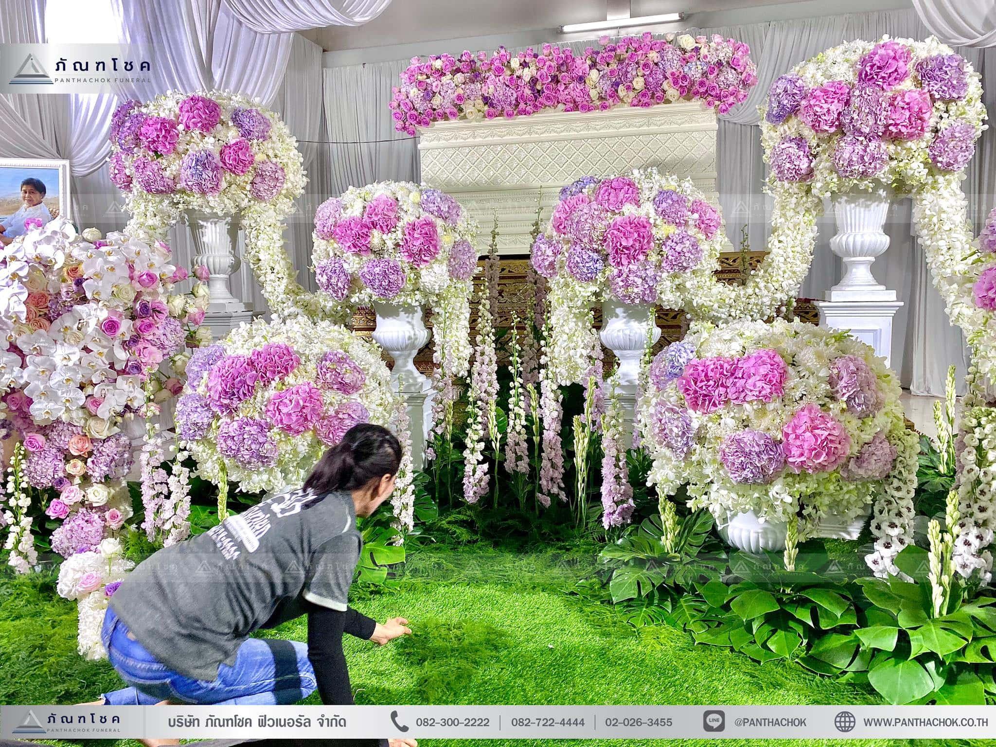 ผลงานจัดดอกไม้หน้าหีบ วัดพานทอง ชลบุรี 2