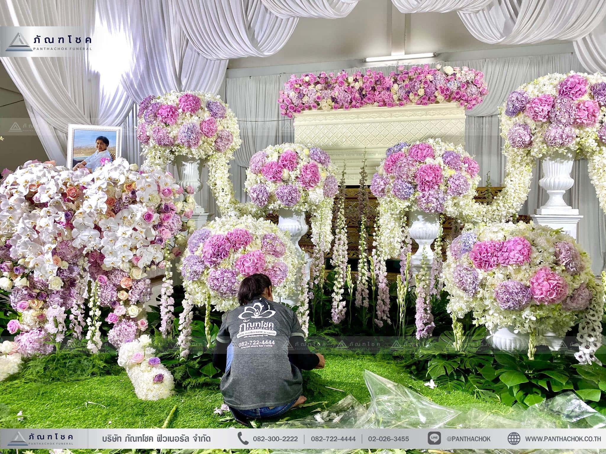 ผลงานจัดดอกไม้หน้าหีบ วัดพานทอง ชลบุรี 4