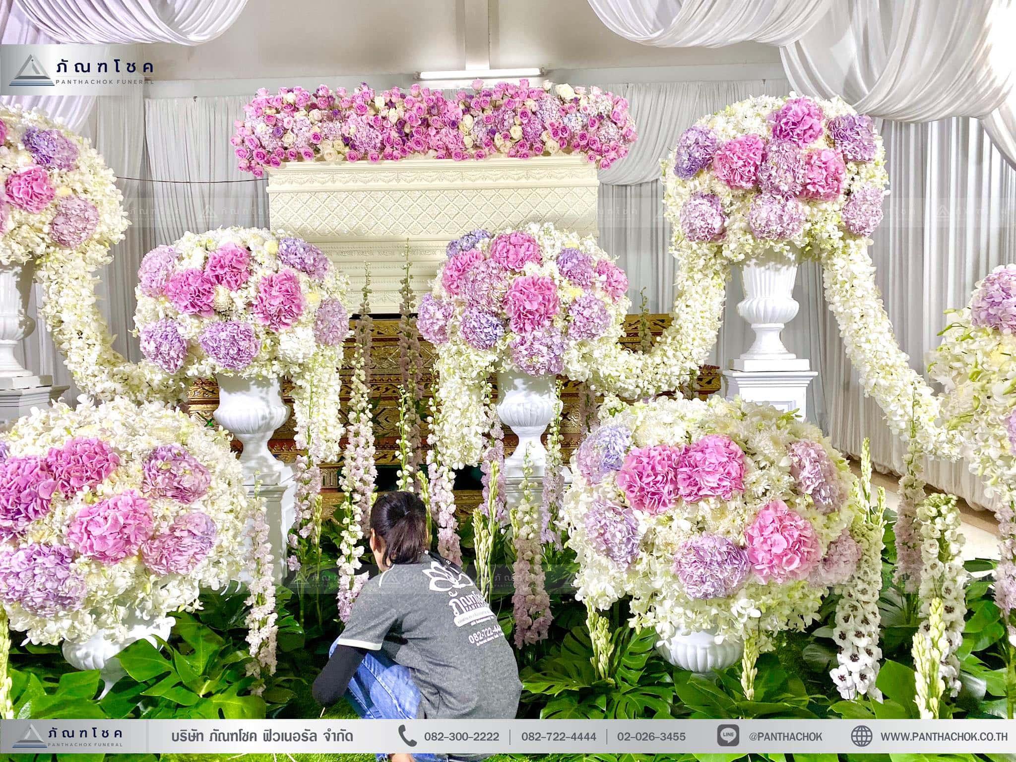 ผลงานจัดดอกไม้หน้าหีบ วัดพานทอง ชลบุรี 5