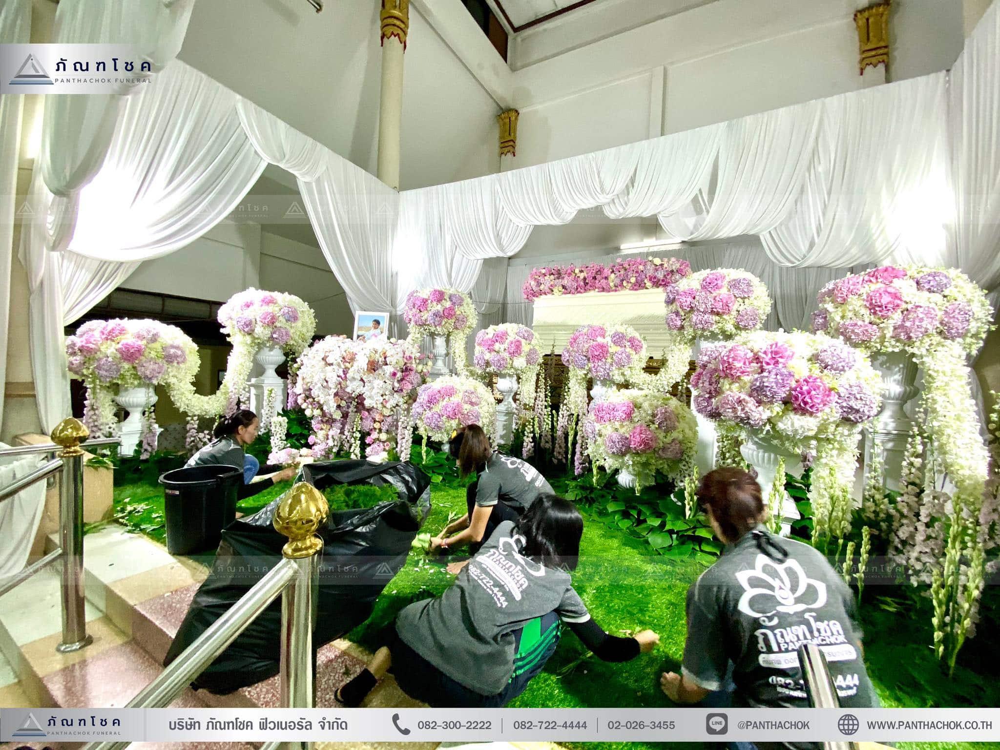 ผลงานจัดดอกไม้หน้าหีบ วัดพานทอง ชลบุรี 6
