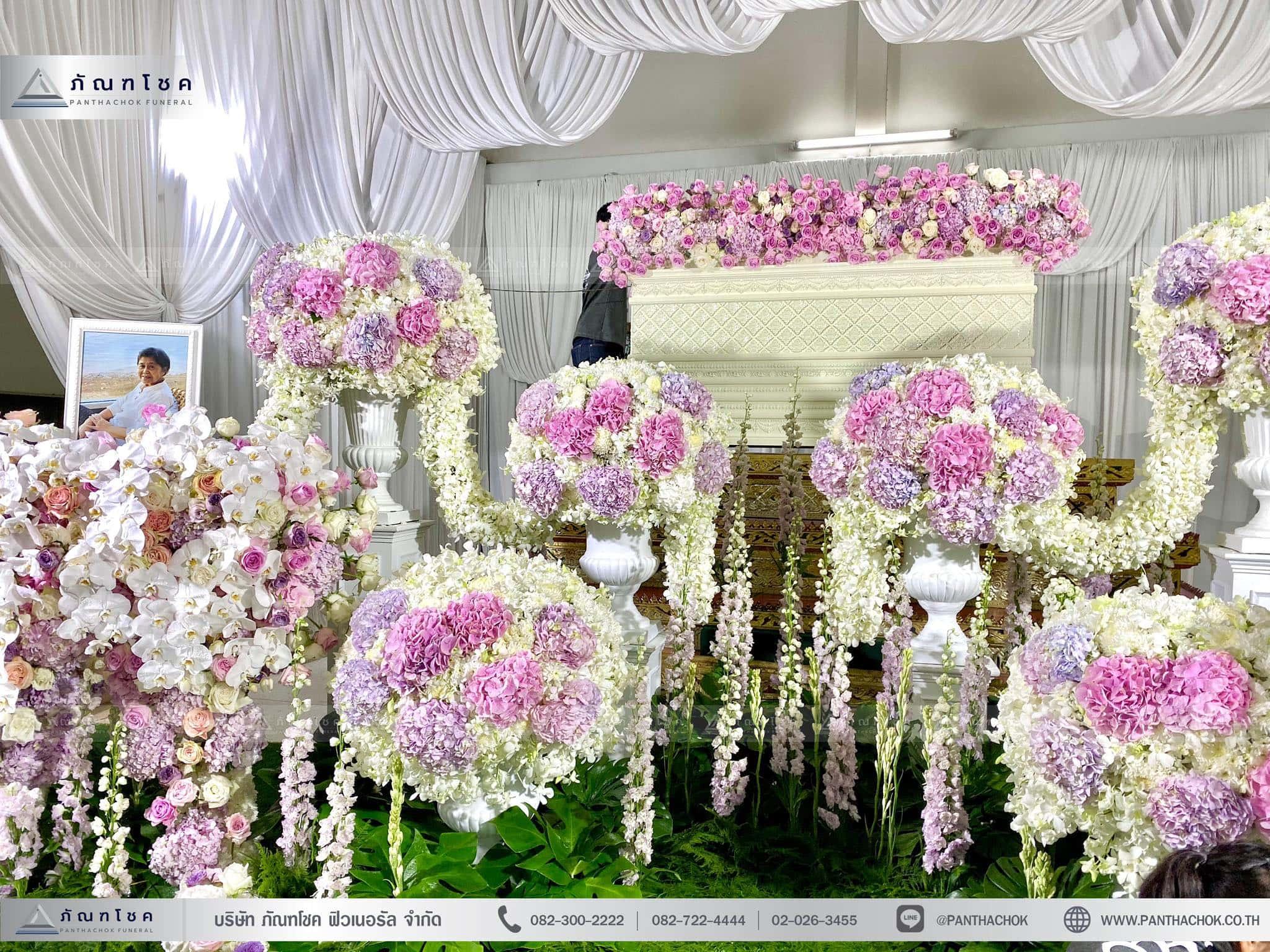 ผลงานจัดดอกไม้หน้าหีบ วัดพานทอง ชลบุรี 8