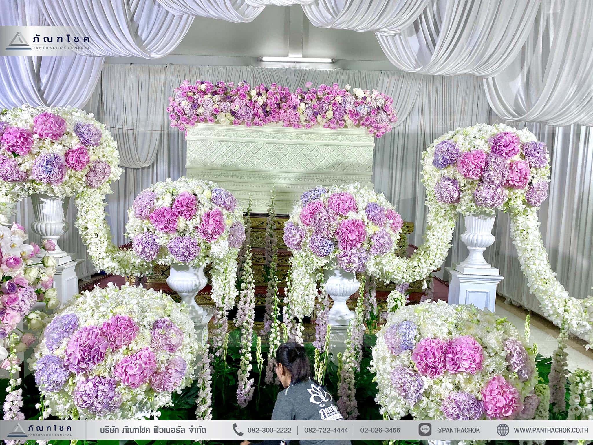 ผลงานจัดดอกไม้หน้าหีบ วัดพานทอง ชลบุรี 9