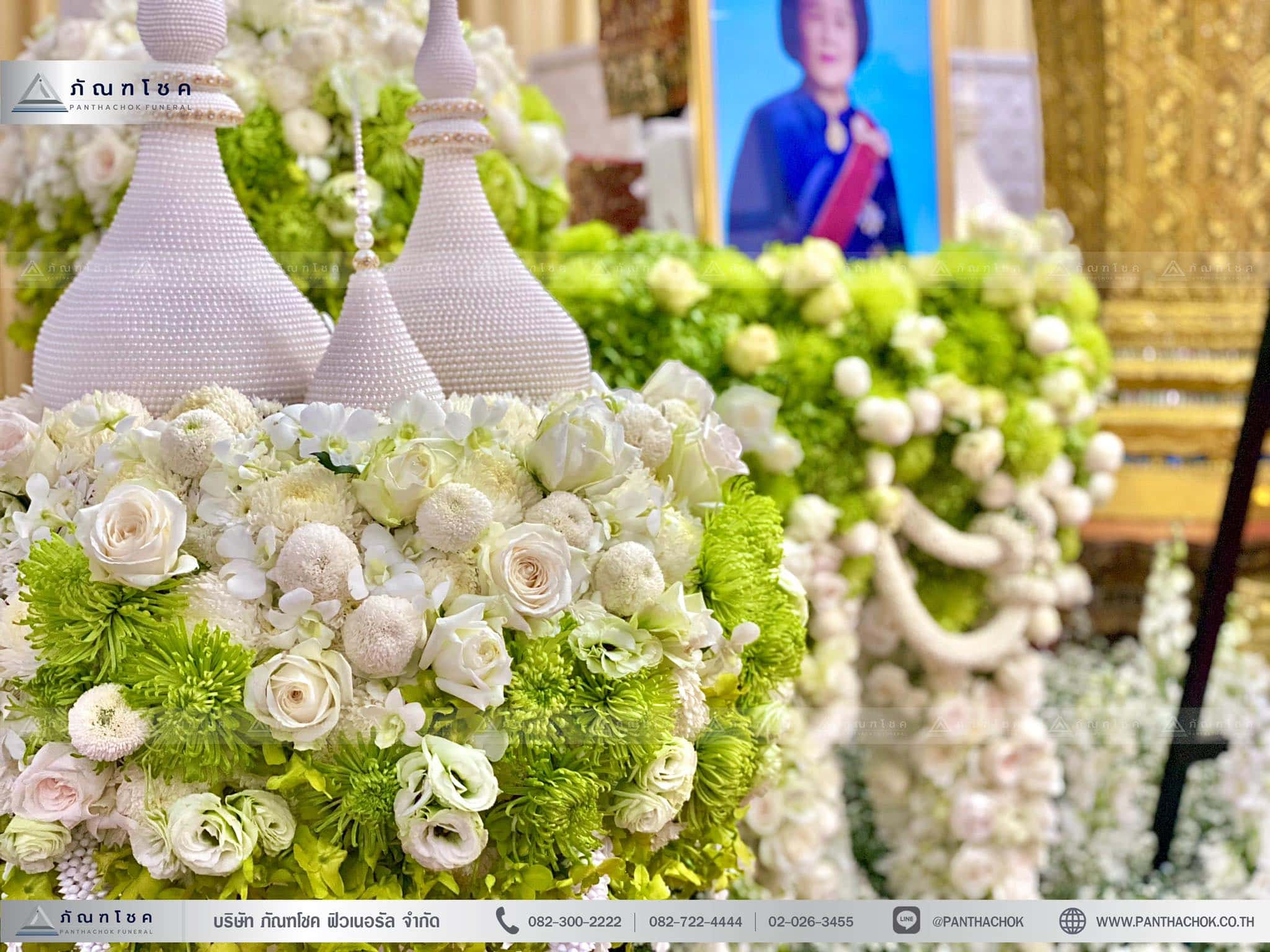 ดอกไม้ประดับหน้าโกศพระราชทาน ณ วัดมกุฏกษัตริยารามราชวรวิหาร 5