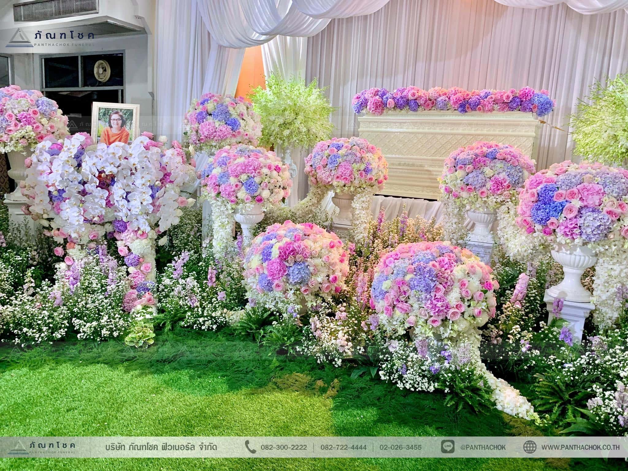 ชุดดอกไม้ประดับหน้าหีบ สไตล์ผู้ดีอังกฤษจิบชายามบ่าย (งานศพคุณแม่ของคุณอ๊อฟ ปองศักดิ์) 12