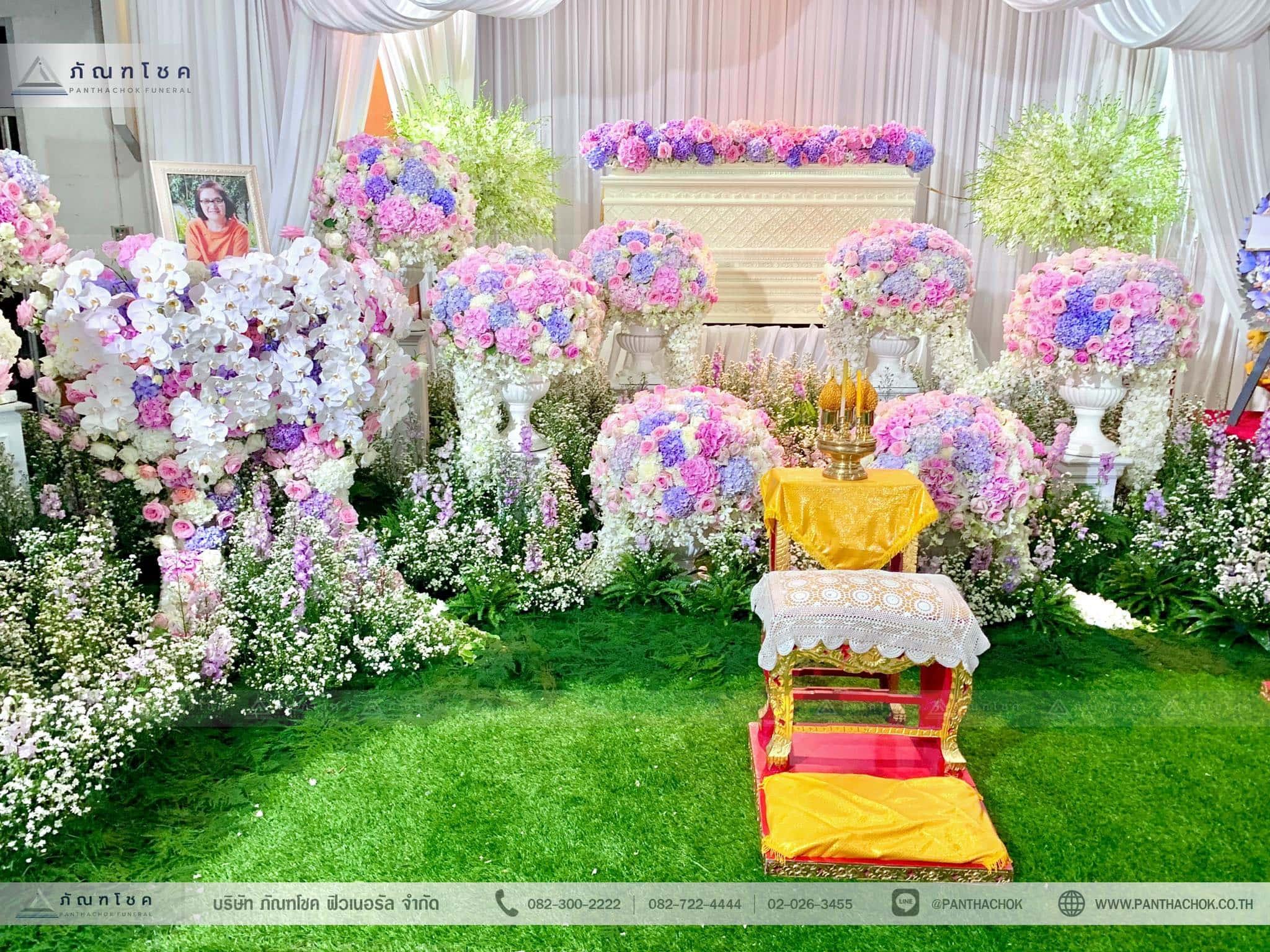 ชุดดอกไม้ประดับหน้าหีบ สไตล์ผู้ดีอังกฤษจิบชายามบ่าย (งานศพคุณแม่ของคุณอ๊อฟ ปองศักดิ์) 15