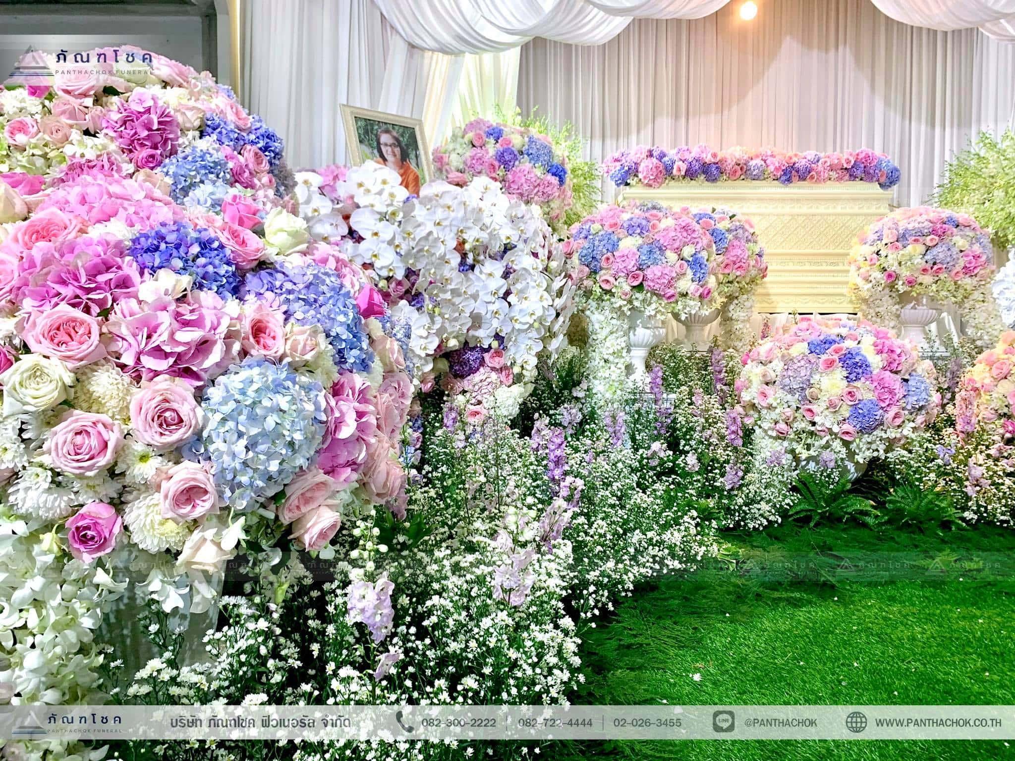 ชุดดอกไม้ประดับหน้าหีบ สไตล์ผู้ดีอังกฤษจิบชายามบ่าย (งานศพคุณแม่ของคุณอ๊อฟ ปองศักดิ์) 7