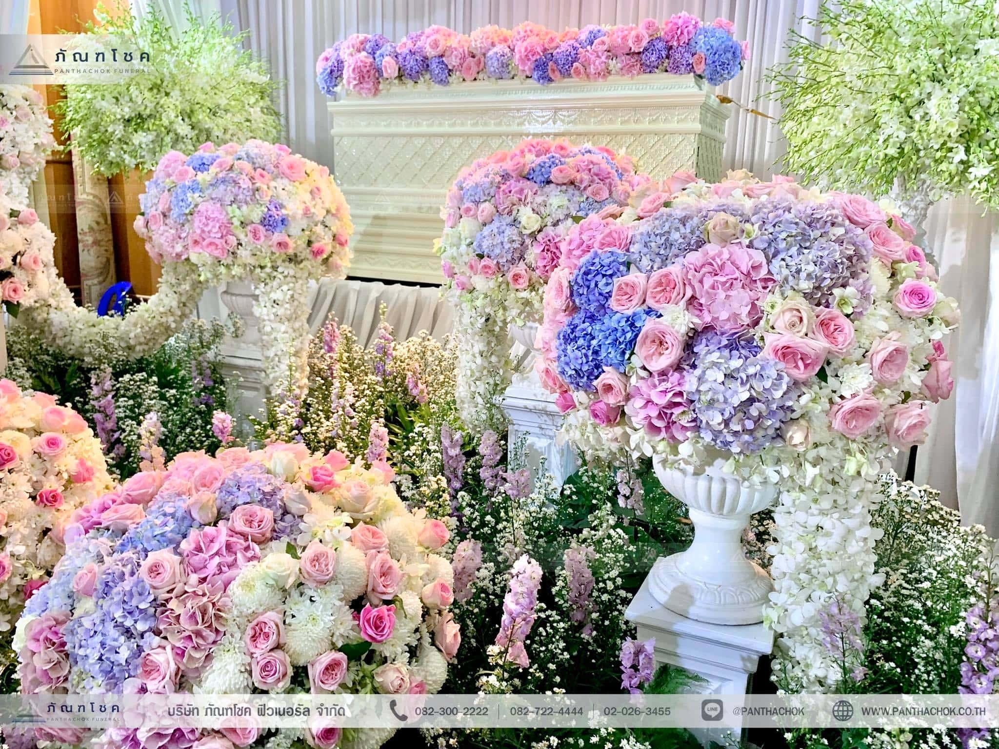 ชุดดอกไม้ประดับหน้าหีบ สไตล์ผู้ดีอังกฤษจิบชายามบ่าย (งานศพคุณแม่ของคุณอ๊อฟ ปองศักดิ์) 8