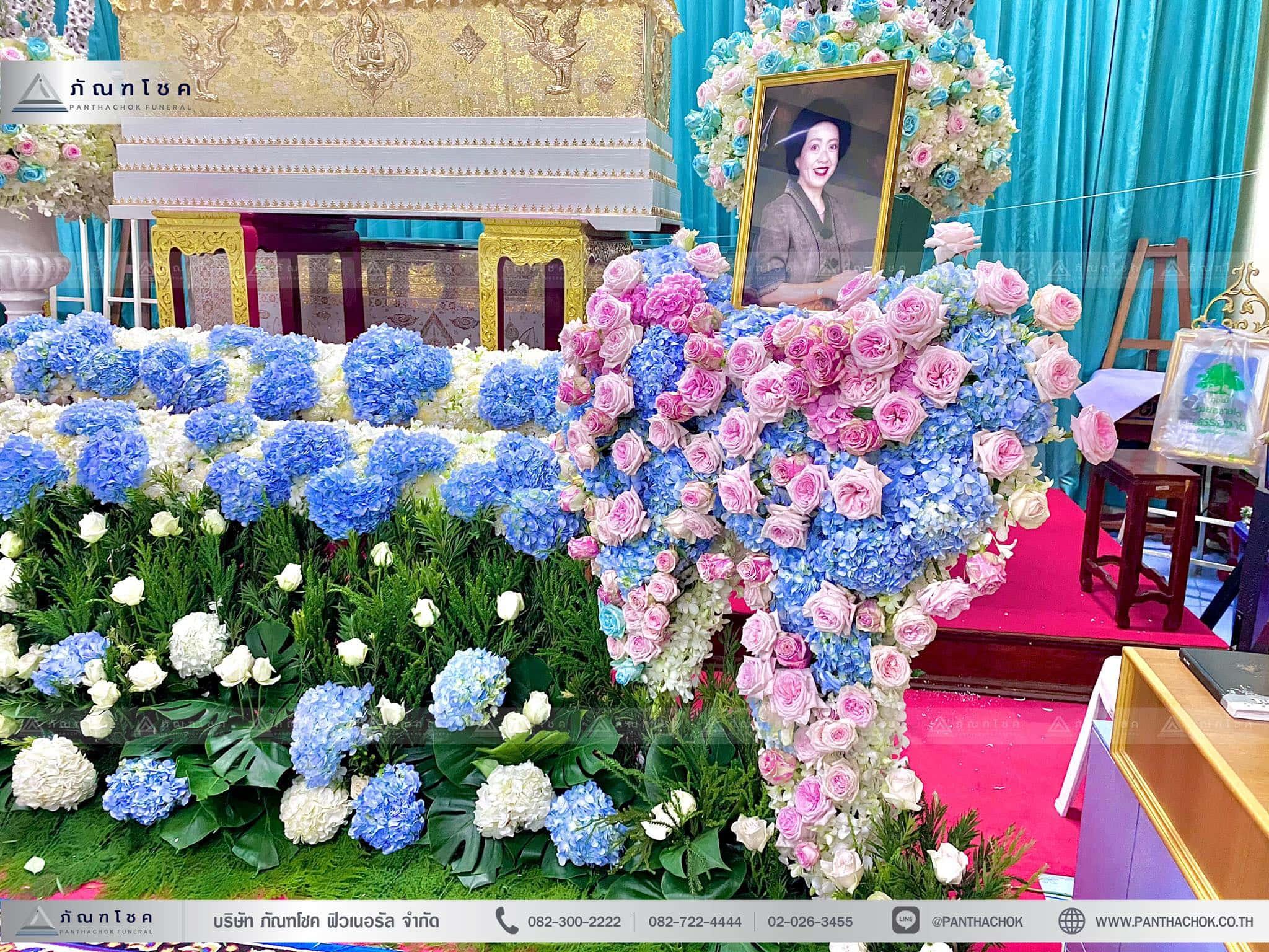 ดอกไม้งานศพสไตล์โมเดิร์น ณ วัดบัวขวัญพระอารามหลวง จ.นนทบุรี 7