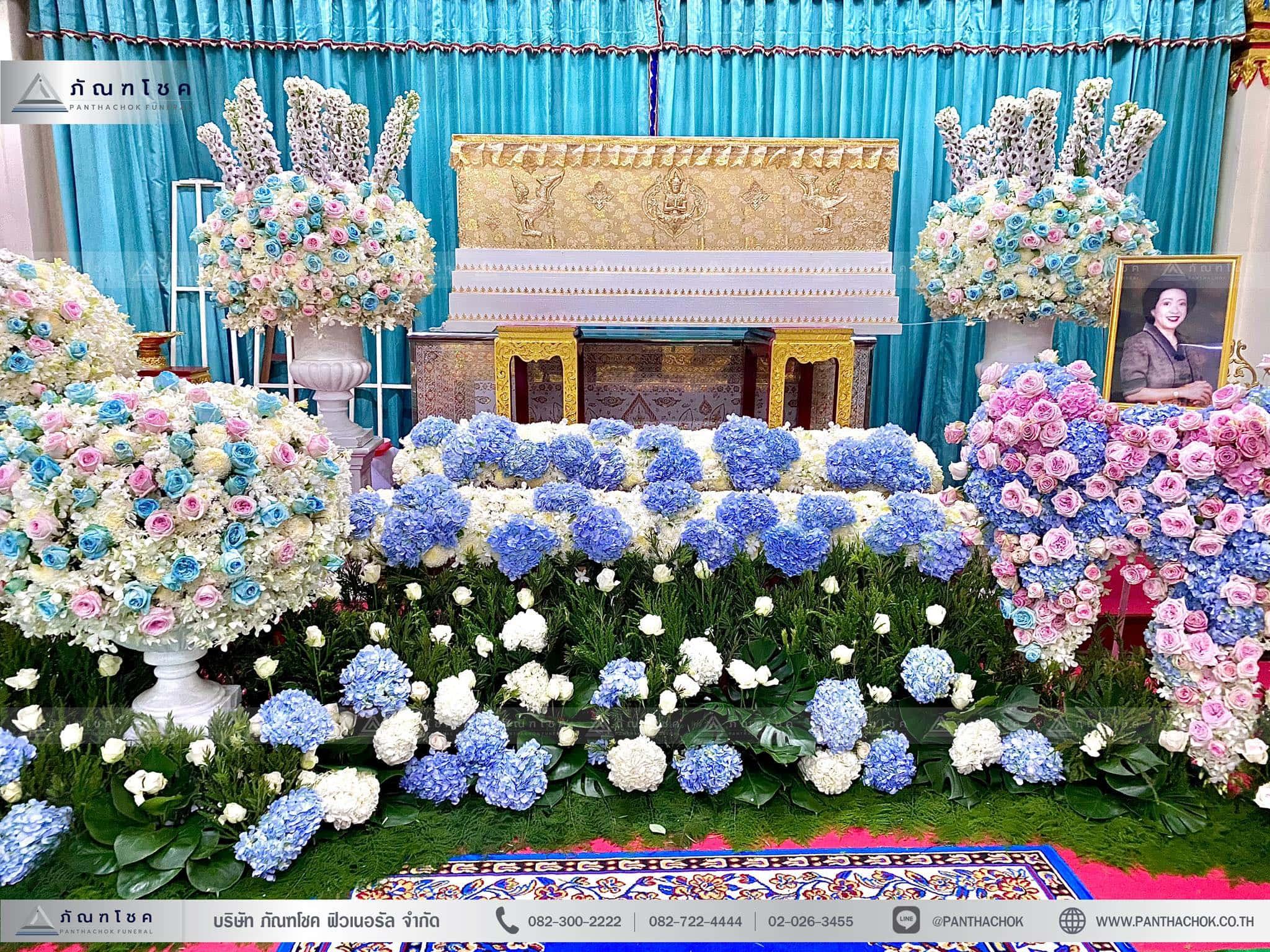 ดอกไม้งานศพสไตล์โมเดิร์น ณ วัดบัวขวัญพระอารามหลวง จ.นนทบุรี 3