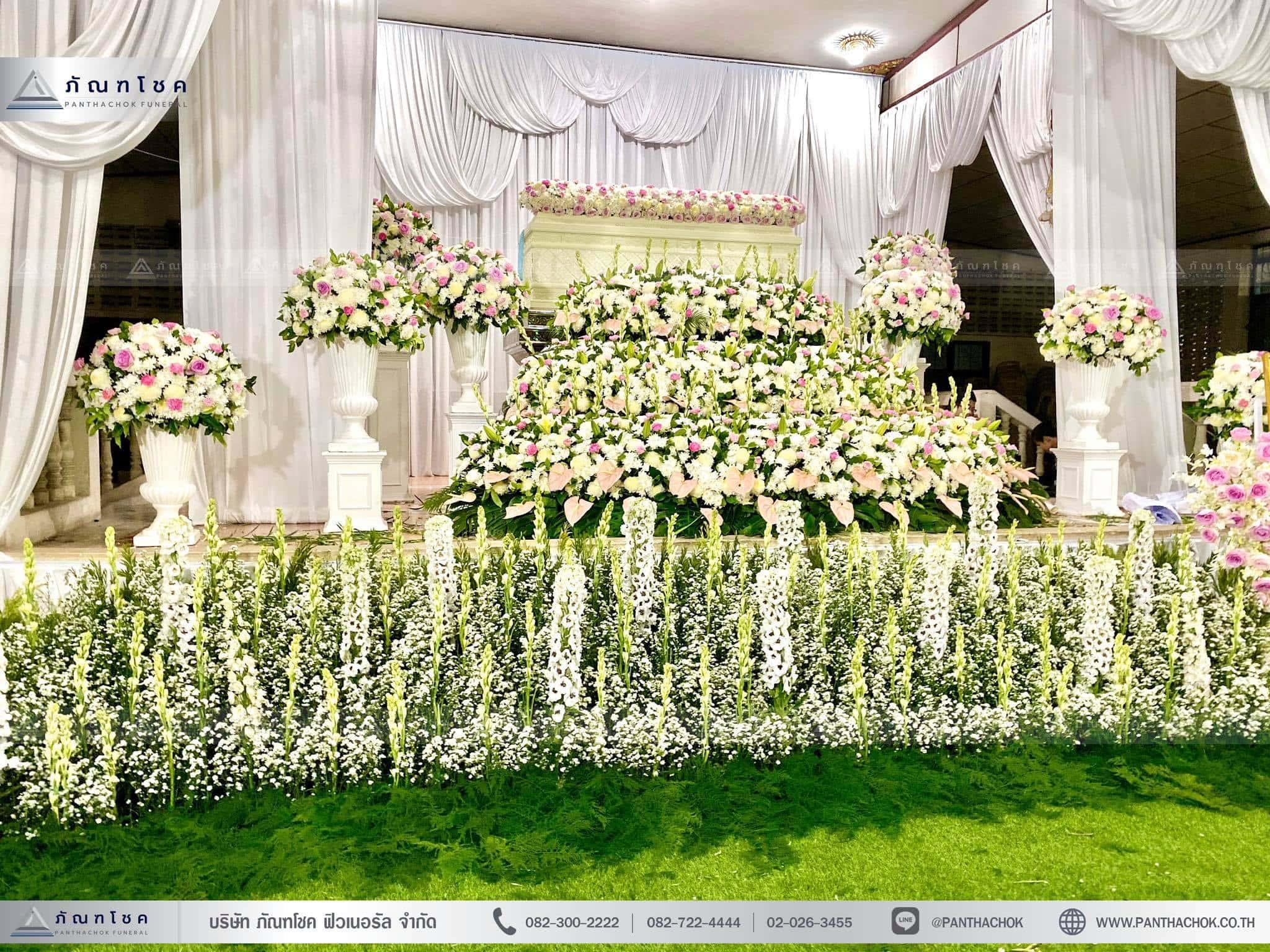 ดอกไม้ประดับหน้าหีบ ดอกไม้งานศพ ดอกไม้สีขาวชมพู