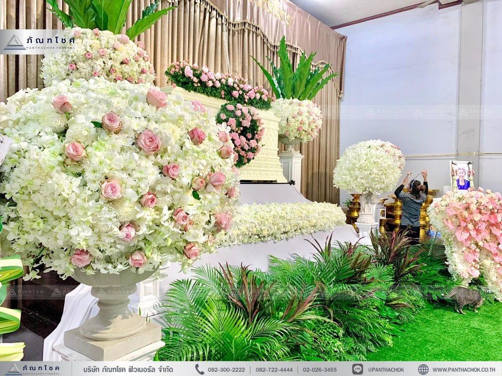 ชุดพุ่มดอกไม้หน้าหีบ ดอกไม้สวยงาม