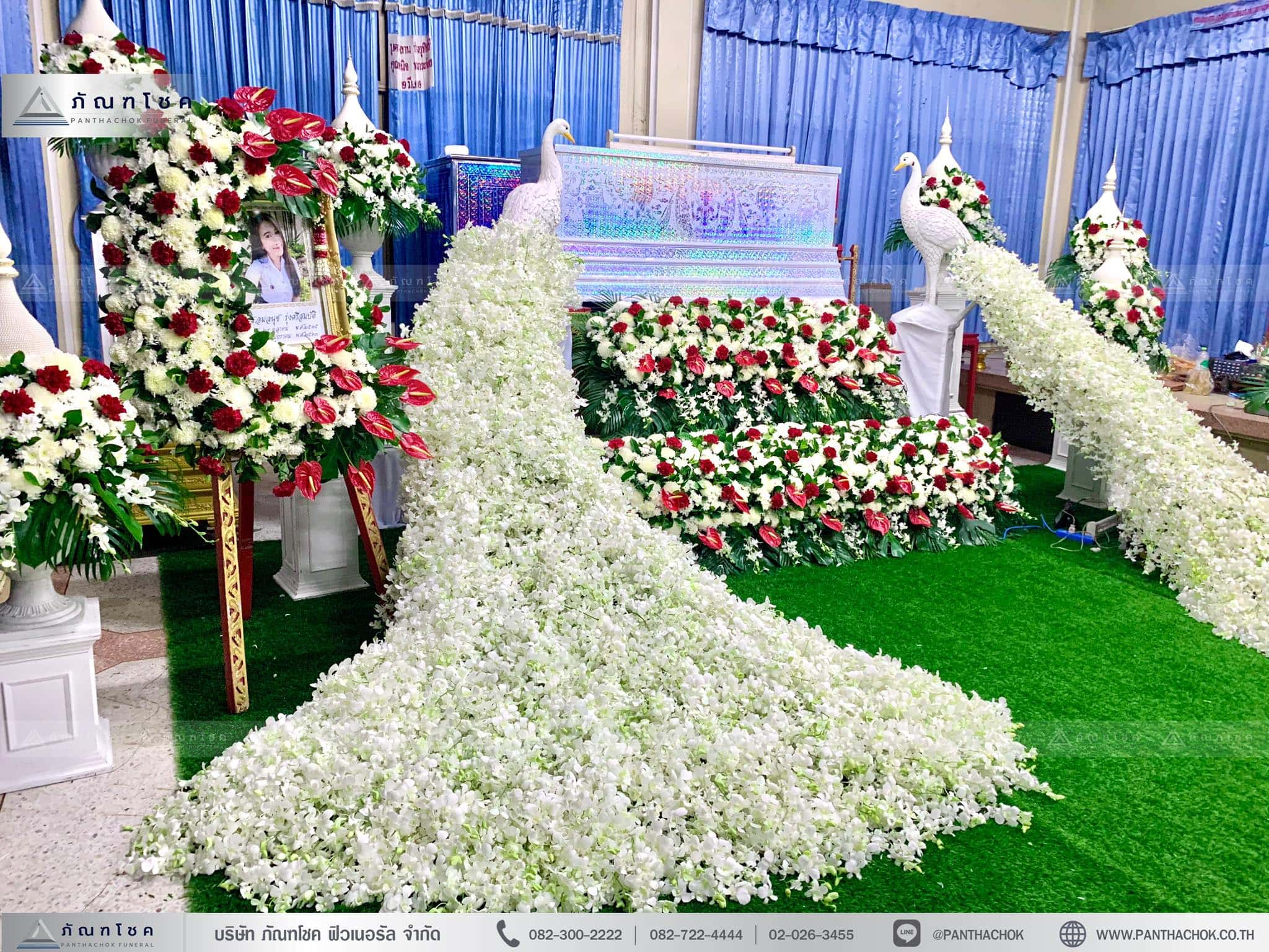 ดอกไม้งานศพ ดอกไม้หน้าหีบนกยูง