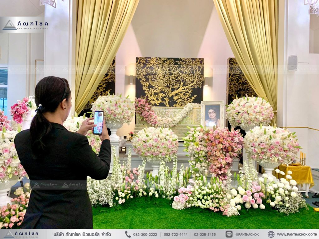 ดอกไม้งานศพสวยหรู ดอกไม้งานศพกรุงเทพ