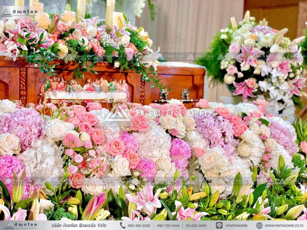 ดอกไม้งานศพแบบคริสต์ แพดอกไม้สด ดอกไม้สดหน้าหีบ