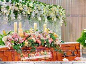 ดอกไม้งานศพแบบคริสต์ ดอกไม้หน้าศพศาสนาคริสต์ รับจัดงานศพคาทอลิก