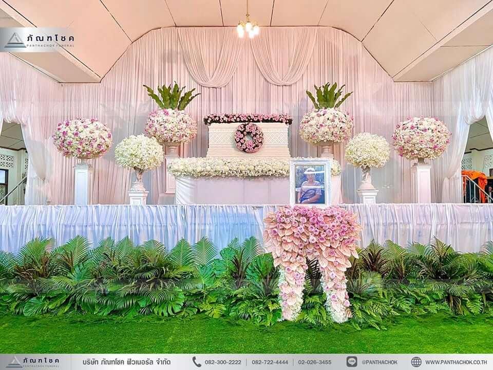 ดอกไม้หน้าหีบศพสีชมพู วัดประชาโฆสิตาราม ดอกไม้หน้ากรอบรูปสีชมพู สวนดอกไม้สวยๆ จัดสวยดอกไม้งานศพอลังการยิ่งใหญ่