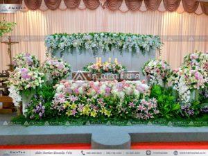 ดอกไม้งานศพแบบคริสต์ ดอกไม้หน้ารูป ดอกไมหลังหีบศพคริสต์ งานศพอลังการ ร้านดอกไม้สวยหรู