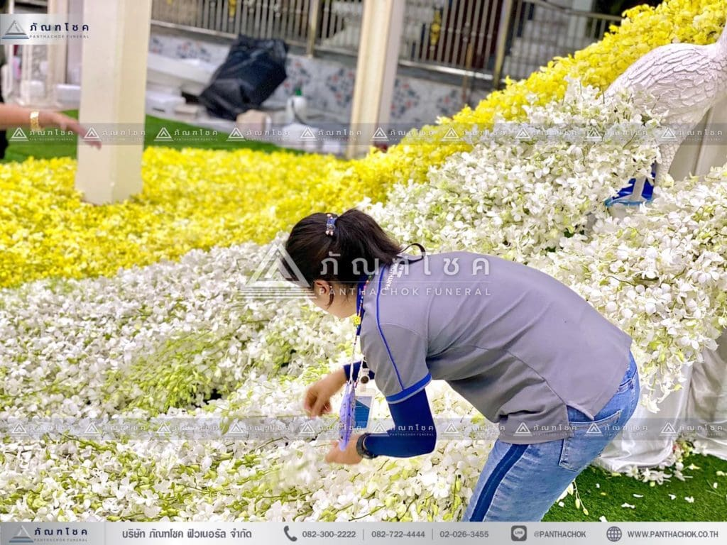 นกยูงงานศพ วัดไทร นครปฐม ตัวอย่างดอกไม้งานศพสวยๆ รับจัดงานศพทั่วประเทศ ดอกไม้จากปากคลองตลาด สวนดอกไม้สดสวยๆ