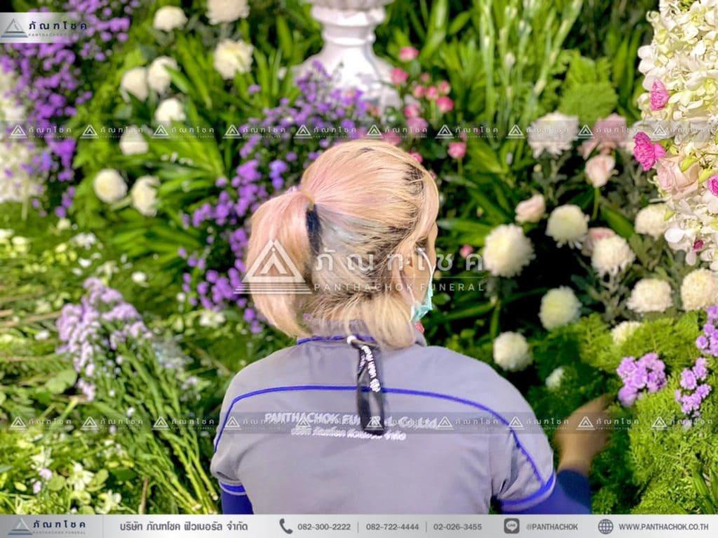 ดอกไม้หน้าโกศพระราชทาน โทนสีชมพู จัดสวนหน้าศพ ดอกไม้หน้าศพสวยๆ รับจัดงานศพทั่วประเทศ