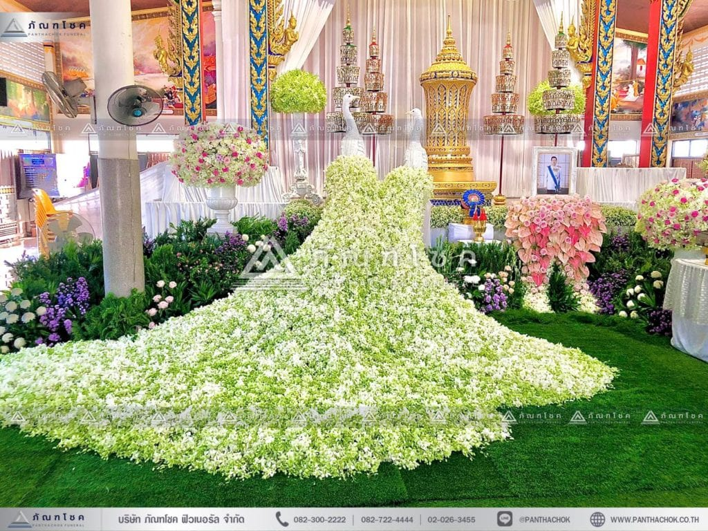 ดอกไม้หน้าโกศพระราชทาน โทนสีชมพู สวนหน้าศพ จัดงานศพกรุงเทพ