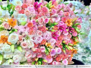 ดอกไม้หน้าหีบศพแบบจีน โทนสีขาว พุ่มกลมดอกไม้หน้าศพ นกยูงงานศพ ร้านดอกไม้นอก รับจัดงานศพวัดดัง ร้านดอกไม้สวยๆ